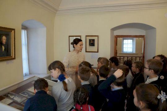Тур в Коломну на ретропоезде «Урок в древнерусской школе»