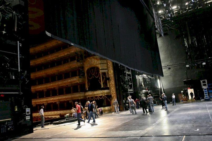 День Рождения в Большом театре «Большому празднику большую сцену!»