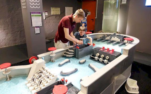 День Рождения в Экспериментаниуме «Увлекательная наука»