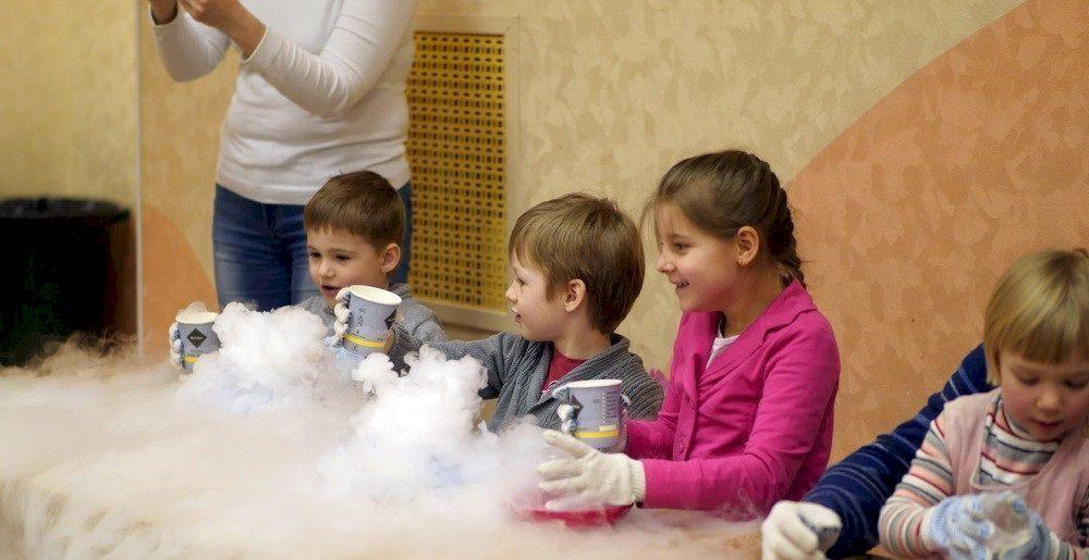 День Рождения с выездным научным шоу «Удивительные чудеса науки»
