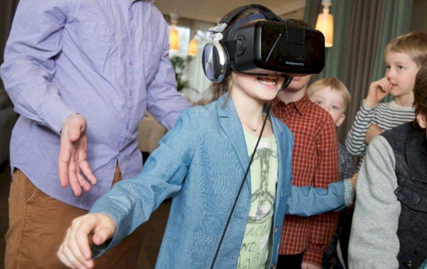 День Рождения с выездным VR-шоу «Виртуальная реальность»