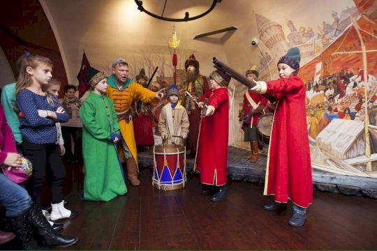 День Рождения в Стрелецких Палатах «Со стрельцами гуляем, удаль молодецкую прославляем!»