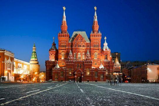 Invisible Moscow - спектакль-экскурсия по улицам Москвы