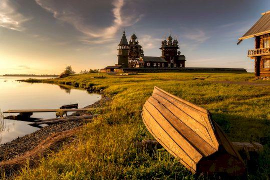 Экскурсионный тур на поезде «Карельский Вояж» с парком Рускеала