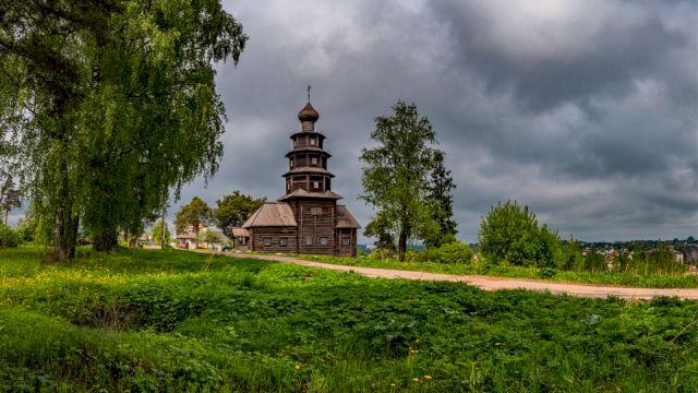 Тур на ретропоезде «Русские Ганзейские города» Псков с Изборской крепостью