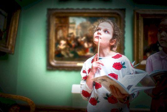 Арт-занятие для детей онлайн №2 (6-10 лет) «Плавным движением руки дом превращается в… галерею!»