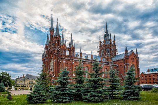 Мозаика религиозной жизни Москвы
