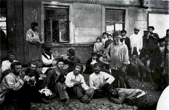 На дне Москвы: гуляйте, мальчики…