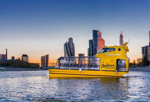 Аренда речного трамвайчика для водной прогулки по Москве-реке