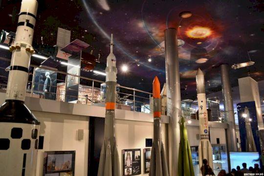 Экскурсия по ВДНХ и Музею космонавтики
