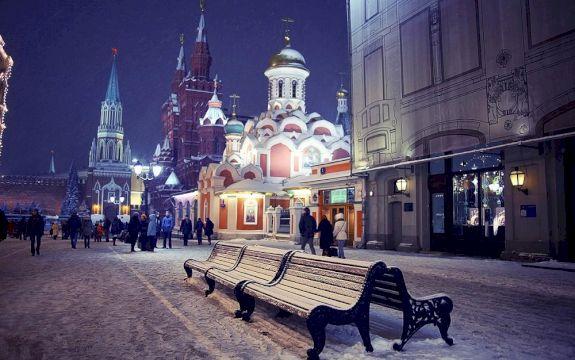 Новогодняя сказка с Дедом Морозом в центре столицы