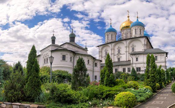 По древним монастырям Москвы «Каменные хранители русского православия»