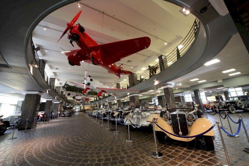 День Рождения в Музее техники Вадима Задорожного «Приключения в мире ретромобилей»
