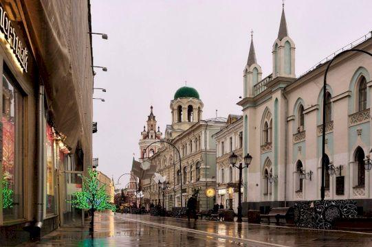 Никольская улица и окрестности: живые свидетели городской культуры